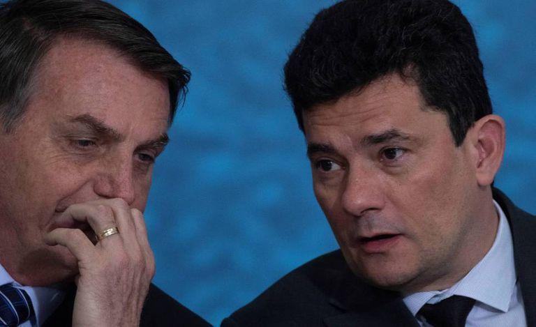Bolsonaro e Moro durante cerimônia no Palácio do Planalto.