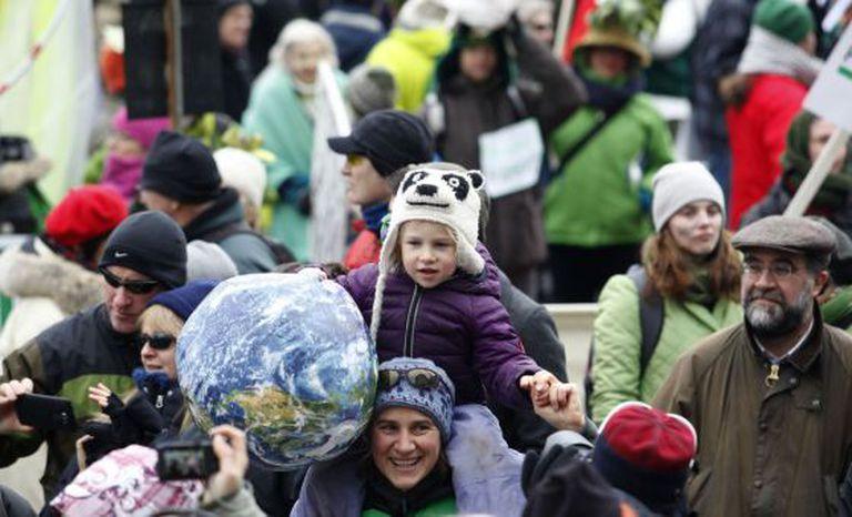 Marcha em Ottawa, Canadá, em defesa do meio ambiente.