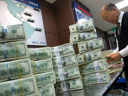 Dólar registrou uma queda de 11% frente ao real no mês de junho.