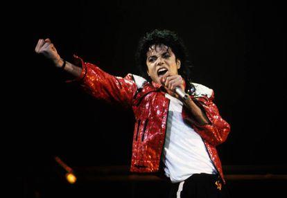 Michael Jackson durante em show em 1986.