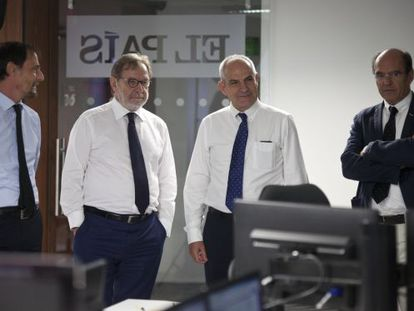 Jan Martínez Ahrens, Juan Luis Cebrián, Antonio Caño e Luis Prados.