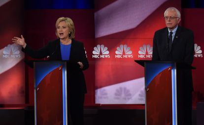 Clinton e Sanders, no debate deste domingo