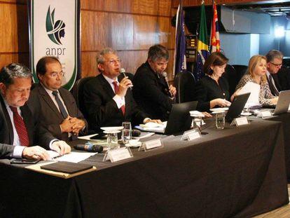 Os candidatos a procurador-geral da República debatem em São Paulo no dia 29 de maio.