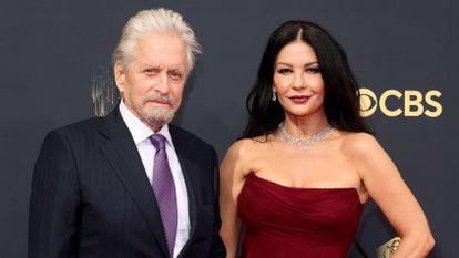 Michael Douglas e Catherine Zeta-Jones na cerimônia do prêmio Emmy, no domingo passado, em Los Angeles.