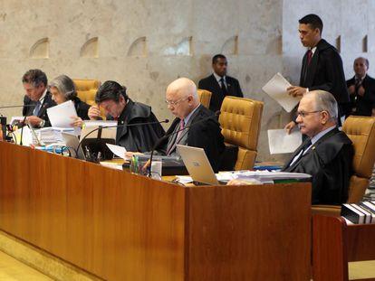 Os ministros Marco Aurélio, Cármen Lúcia, Fux, Teori e Fachin.
