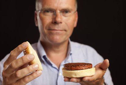 O professor Marl Post, um dos pioneiros no desenvolvimento da carne artificial.