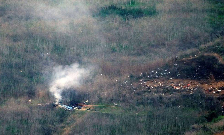 Destroços do helicóptero em que morreram Kobe Bryant e sua filha.
