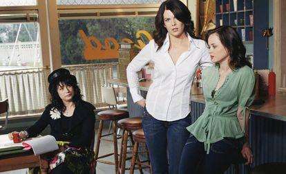 "Amy Sherman-Palladino, com Lauren Graham e Alexis Bledel, protagonistas de ""Gilmore Girls"""
