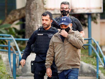 Fabrício Queiroz deixa o IML em São Paulo, após ser preso em Atibaia.