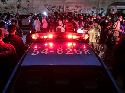 Manifestantes protestam contra o massacre no Jacarezinho, no Rio de Janeiro, em frente à Polícia Civil, na última sexta, 7 de maio.