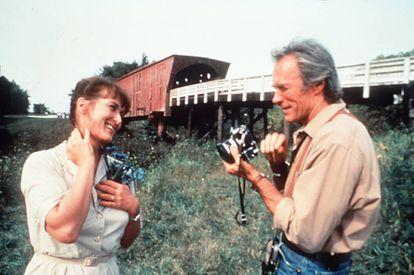 Meryl Streep e Clint Eastwood em uma cena de 'As Pontes de Madison'.