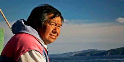 Cena do documentário chileno 'Tánana', sobre um descendente do povo yaguán, originário da Patagônia chilena.