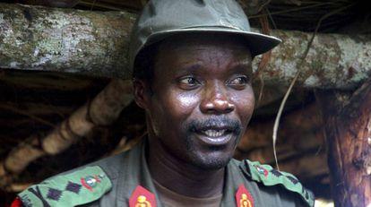 O líder do Exército de Resistência do Senhor, Joseph Kony, em uma foto datada de julho de 2006, no norte de Uganda.
