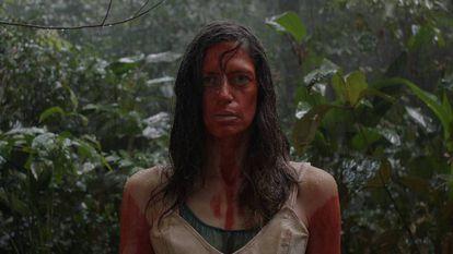 A atriz Clara Choveaux em cena de 'Luz nos trópicos', filme de Paula Gaitán.