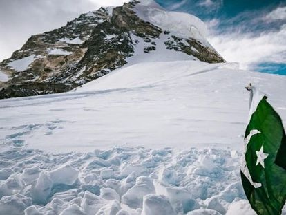 Lugar onde Sajid Sapdara enterrou seu pai, Ali, no K2, a 8.000 metros de altitude.