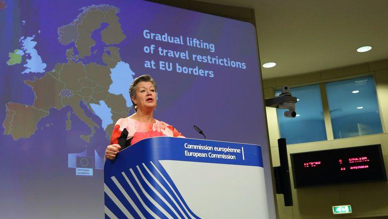 A comissária para o Interior, Ylva Johansson, durante a coletiva de imprensa em Bruxelas, nesta quinta-feira.