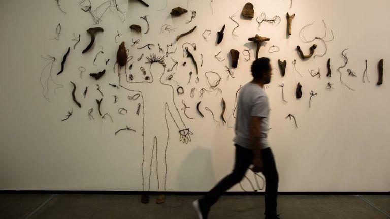 Exposição 'Osso', em cartaz no Instituto Tomie Othake.