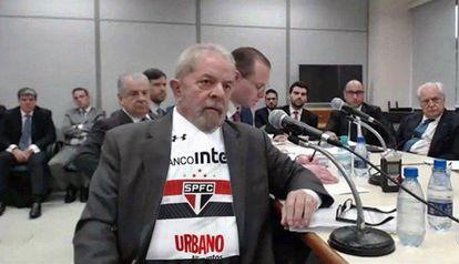 Lula são-paulino? Calma, é só um meme.