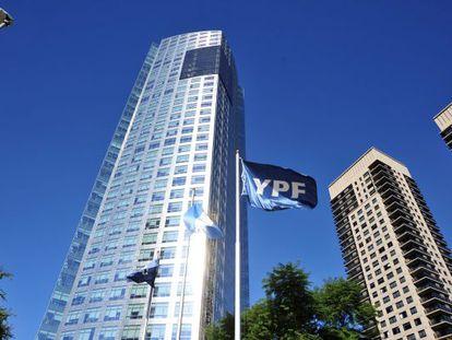 Repsol conserva uma participação de 12% na YPF.