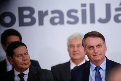 O vice Mourão e o presidente Bolsonaro em 5 fevereiro, no Palácio do Planalto.