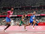 01 August 2021, Japan, Tokyo: Italy's Lamont Marcell Jacobs (R) sprints towards the finish line ahead of USA's Fred Kerley (L) in the Men's 100m Final race of the athletics competition at the Olympic Stadium during the Tokyo 2020 Olympic Games. Photo: Martin Rickett/PA Wire/dpa 01/08/2021 ONLY FOR USE IN SPAIN