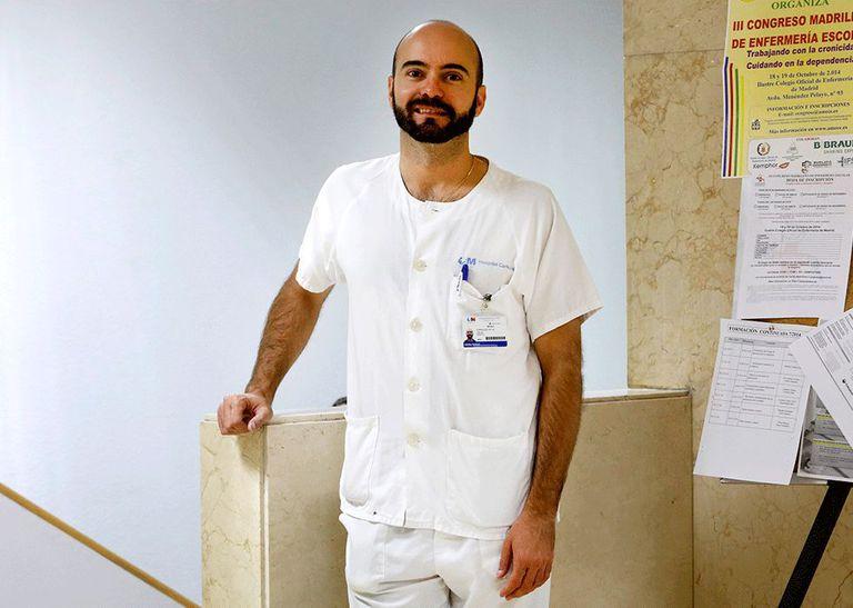 O médico Fernando da Rua, especialista em Medicina Tropical do hospital Carlos III de Madri.