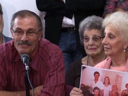 Carlos Alberto Solsona e a presidenta das Avós da Praça de Maio, Estela de Carlotto, anunciam em Buenos Aires a identificação da neta número 129. Em vídeo, a presidenta das Avós da Praça de Maio anuncia a identificação da neta número 129.