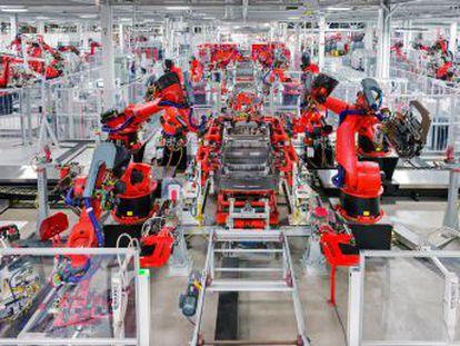A concentração de inovações científicas e técnicas deram lugar a um novo sismo no mercado mundial