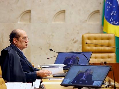 O ministro Gilmar Mendes durante a sessão plenária por videoconferência, em 15 de abril.