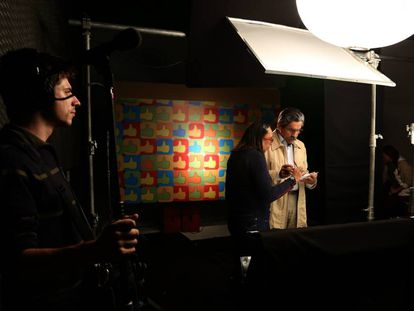 Olívio Dutra grava propaganda em 2014 para sua campanha ao Senado no Rio Grande do Sul.
