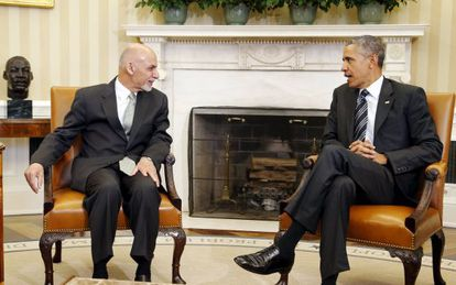 O presidente Obama (Direita) durante sua reunião na terça-feira com seu homólogo afegão.