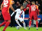 PSV's Steven Bergwijn controls the ball during the Champions League, group A soccer match between PSG and Galatasaray, at the Parc des Princes stadium in Paris, Wednesday, Dec. 11, 2019. (AP Photo/Michel Euler)