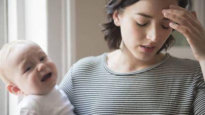 Muitas mães escondem os sintomas de tristeza por falta de apoio do seu entorno social.