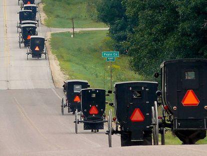 Carroças a cavalo utilizadas pelos Amish.