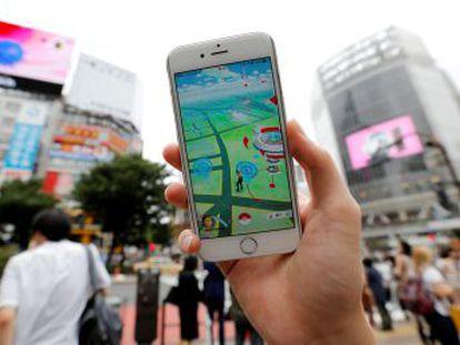 Para ele, o Pokémon Go já é história. Sua aventura inclui uma viagem de 110 quilômetros de Uber, em círculos