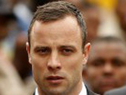 Começa a declaração do atleta paralímpico como acusado de assassinar a sua noiva Reeva Steenkamp