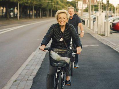 O envelhecimento ativo prevê uma atitude cada vez mais positiva e ativa.