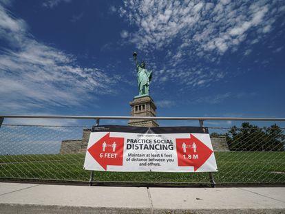 A Estátua da Liberdade pouco depois da reabertura, no final de junho.