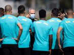 Teresopolis (Brazil), 29/05/2021.- A handout photo made available by the Brazilian Football Confederation (CBF) shows Brazilian national soccer team head cocach Tite talking to players during a training session ahead of the upcoming South American qualifiers against Ecuador and Paraguay for the 2022 World Cup in Qatar, at the training center Comary Farm, Teresopolis, Brazil, 29 May 2021. (Mundial de Fútbol, Brasil, Catar) EFE/EPA/Lucas Figueiredo/CBF HANDOUT EDITORIAL USE ONLY / ONLY AVAILABLE TO ILLUSTRATE THE ACCOMPANYING NEWS (MANDATORY CREDIT) HANDOUT EDITORIAL USE ONLY/NO SALES