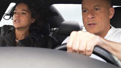 Michelle Rodriguez e Vin Diesel, em 'Velozes & Furiosos 9'. No vídeo, o trailer do filme.