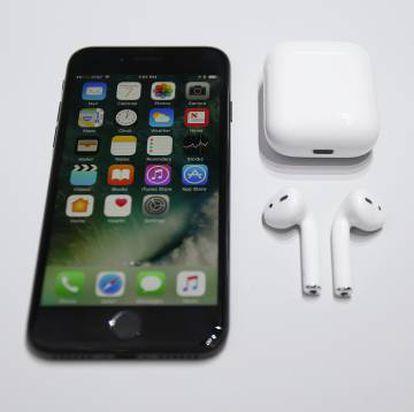 O novo iPhone7 e os AirPods.