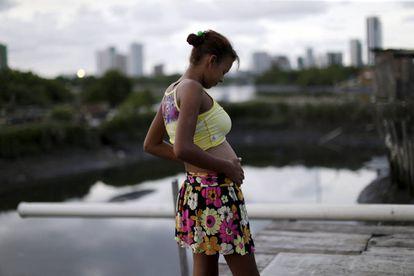 Uma mulher grávida no Recife.