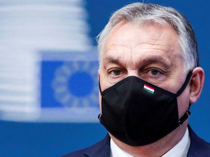 O primeiro-ministro húngaro, Viktor Orbán, chega à cúpula europeia de dezembro de 2020, em Bruxelas.