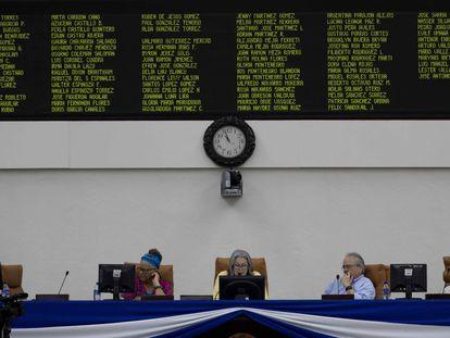 A Mesa Diretora do Parlamento da Nicarágua, nesta terça-feira, em Manágua.