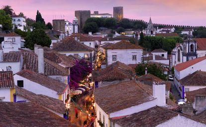 Panorâmica da localidade medieval do Óbidos, em Portugal.