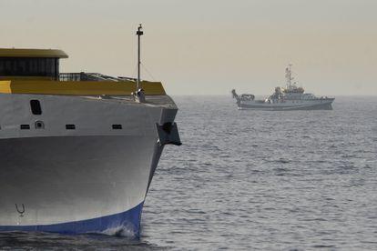 O navio do Instituto Espanhol de Oceanografía 'Ángeles Alvariño' durante os trabalhos de rastreamento.
