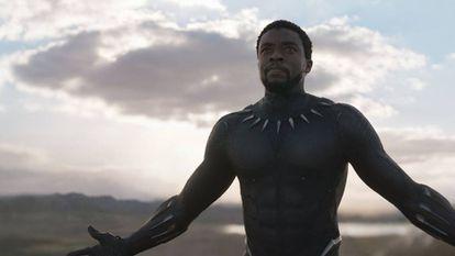 O ator Chadwick Boseman em uma cena de 'Pantera Negra'.