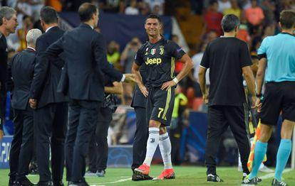 Cristiano Ronaldo após ser expulso em 19 de setembro.