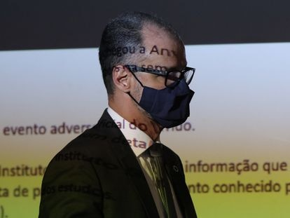 Antonio Barra Torres, diretor-presidente da Anvisa, durante entrevista coletiva nesta terça-feira.