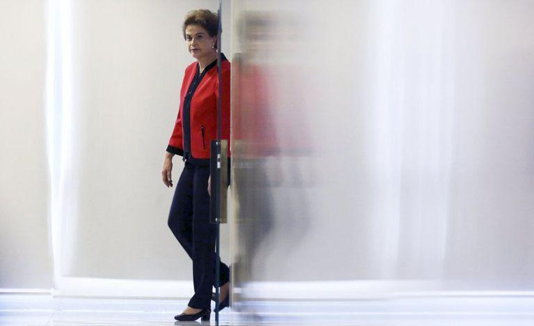 Dilma chega a cerimônia no Palácio do Planalto.